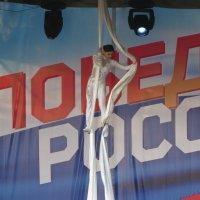 Гимнастка под куполом :: Валерий A.