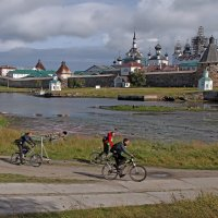 Велопрогулка :: Сергей Яснов