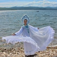 Лебедь белая. :: Наталья Юрова