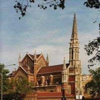 католический храм в Барселоне :: Евгений Дубинский
