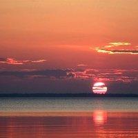 Закат на Белом море :: Максим Судаков