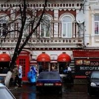 Старый  город  с  новыми  повадками... :: Валерия  Полещикова
