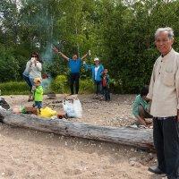 Шашлыки на Байкале. :: Валерий Молоток