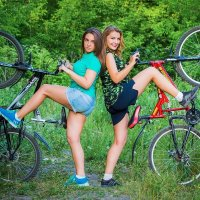 Прогулка леди-на велосипеде-2 :: Роман