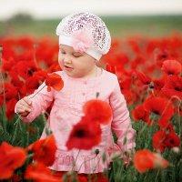 Детская фотосессия в маках :: Олеся Шаповалова