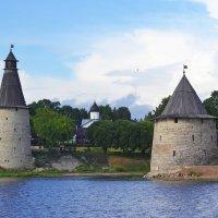 Псковские башенки :: Наталья Левина