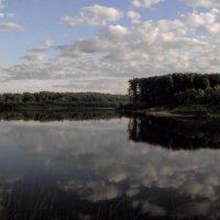 В реку смотрятся облака ... :: Игорь Малахов