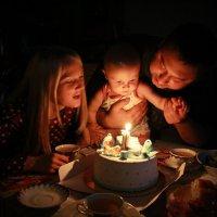 Первый день рождения :: Ирина Белоусова