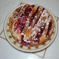 Бабушкин пирог с вишнями :: Ростислав
