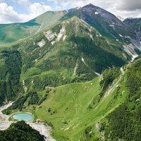 Маленькое озеро в горах. :: Евгений Кожухов