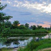 Закат у реки :: Юрий Стародубцев