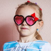 Взгляд через розовые очки :: Ева Олерских
