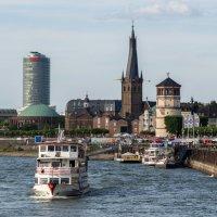 Старый город :: Witalij Loewin