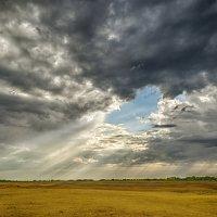 Где то идёт дождь... :: Александр Афромеев