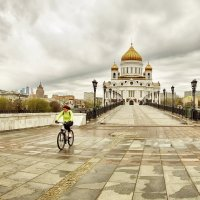Вид на Храм... :: Игорь Суханов