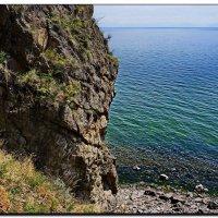 Скалистый берег :: Любовь Чунарёва
