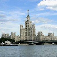Жилой дом на Котельнической набережной :: Елена Шемякина