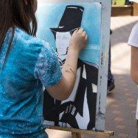 Маленькие живописцы. :: Геннадий
