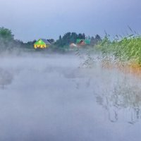 Домик у озера :: Валерий Талашов