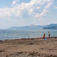 Дикий пляж :: Анатолий Мигов