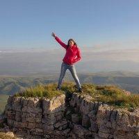 На скалах Большого Бермамыта. Высота 2500 м. :: Vladimir 070549