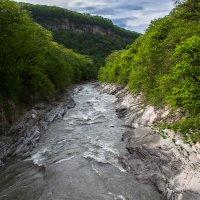 Горная река :: Евгений Лаврентьев