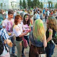День Северодвинска. Фестиваль красок ещё не начался, но ребята поторопились :: Владимир Шибинский
