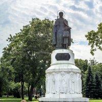 Памятник Святой равноапостольной княгине Ольге в Пскове :: Ольга Рощектаева