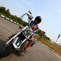 Мотоциклистка :: Станислав Понамарёв