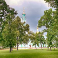 В парке. :: Александр Селезнев