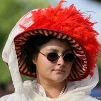 дамы и их шляпки :: Олег Лукьянов