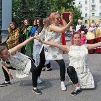 День Северодвинска. Танец библиотекарей :: Владимир Шибинский