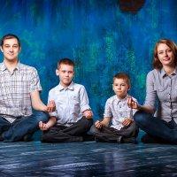 Семейный портрет :: Лена Хрусталева