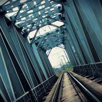 железнодорожный мост :: ~К а р е г л а з а я~