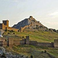 Генуэзская крепость Судак :: Елена Чижова