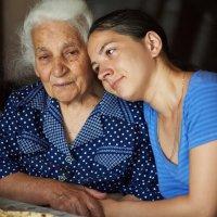 С бабушкой :: Евгений Кожухов