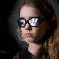 Зеркальные очки :: Александр Белоконь