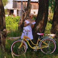 Девушка и велосипед. :: Татьяна Старцева