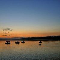 Рассвет на реке... :: Витас Бенета