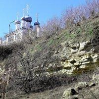 Храм на высоком берегу. :: Борис Митрохин