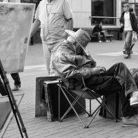 И кисть рука художника держать устала ... :: Александр Степовой