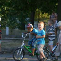 Заезд на велосыпеде :: Любовь Потравных