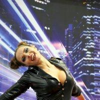 зажигательный танец :: Олег Лукьянов