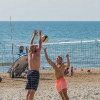 Пляжный волейбол :: Леонид Соболев