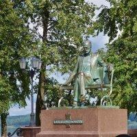 Памятник П.И.Чайковскому в Воткинске :: Исаков Александр