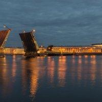 Раннее утро на Неве :: Александр Шведов