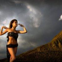 Девушка и грозовой перевал...3. :: Андрей Войцехов