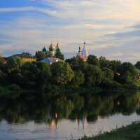 Городок наш не велик. :: Victor Klyuchev