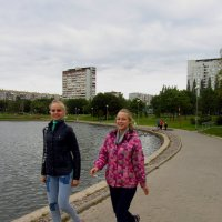 Приятно, когда вам улыбаются девушки! :: Андрей Лукьянов