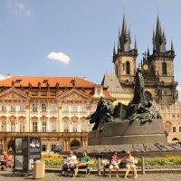 Староместская площадь и памятник Яну Гусу в Праге. :: Анна Градова.